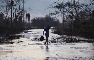 Filipinler'deki tropikal tayfunda ölü sayısı 45'e...