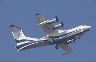 Dünyanın en büyük amfibik uçağı ilk uçuşunu...