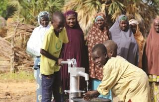 Liseli gençlerden Afrika'ya su kuyusu