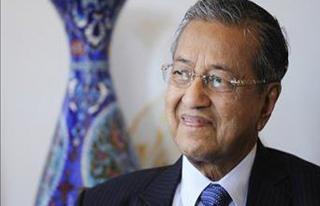 Malezya'da 22 yıl başbakanlık yapan Mahathir tekrar...