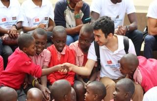 TİKA'dan Kenya'daki engelli öğrencilere yardım