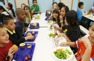 Fransa'da okul kantinlerinde domuz eti dayatmasına...