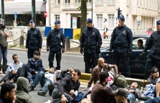 Belçika'da polisten sığınmacılara yönelik yeni...