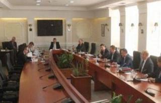 Kosova'da milletvekillerine yurt dışı yasağı