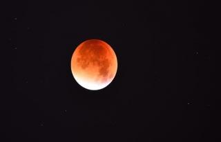 36 yıl aradan sonra 'Mavi Süper Kanlı Ay'