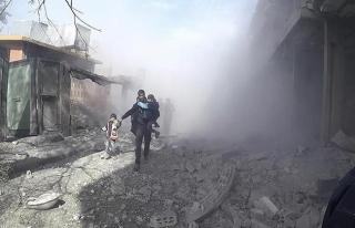 Esad rejimi Doğu Guta'da sivillere havadan saldırdı:...
