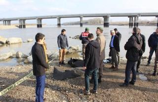 Meriç Nehri'nde muhacirleri taşıyan bot battı