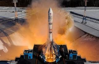 Soyuz-2.1a roketi uzay yolculuğuna başladı