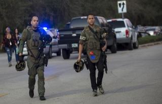 ABD'de liseye düzenlenen silahlı saldırıda en...