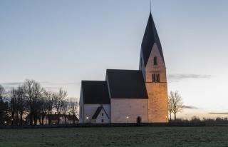 İsveç'te son 10 yılda bir milyon kişi kilise üyeliğinden...