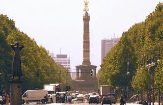 Almanya'da dizel araçlara yasak yolu açıldı