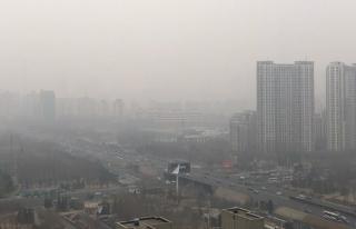 Çin'de kirli hava 'turuncu alarm' verdirdi