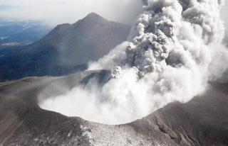 Japonya'da yanardağ alarmı