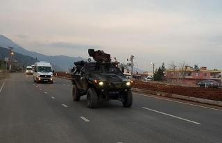 Bir grup JÖH ve PÖH, Suriye sınırında