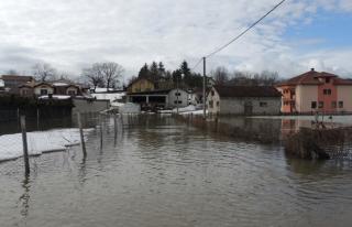 Bosna Hersek ve Hırvatistan'ı sel götürdü