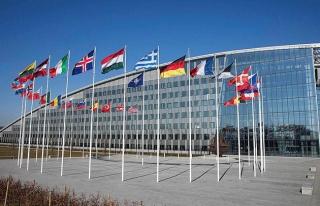 NATO, 7 Rus diplomatın akreditasyonunu iptal etti