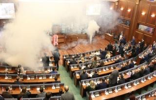 Kosova Meclisi'nde 'sınır' gerginliği
