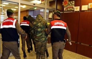 Yunanistan iki askeri için AB'den yardım bekliyor