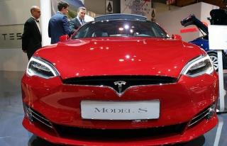 Tesla 123 bin aracını geri çağırdı