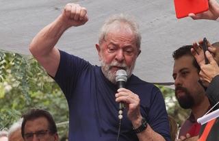Eski Brezilya Devlet Başkanı Lula da Silva teslim...