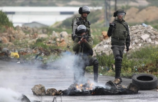 İsrailli Bakan Bennett'ten silahsız Filistinliyi...