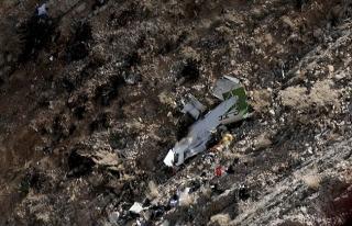 Tunus'ta askeri uçak düştü: 2 ölü