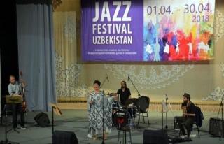 Türk müzisyene Özbekistan'da büyük ilgi