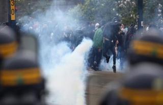 Fransa'da göstericiler ile polis arasında çatışma