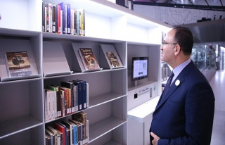 Bekir Bozdağ, Katar Ulusal Kütüphanesinin açılışına...