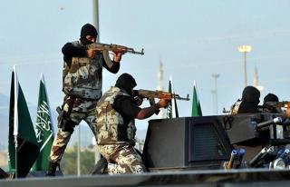 Suudi Arabistan'da güvenlik güçlerine silahlı...