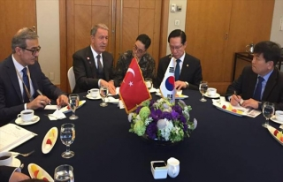 Orgeneral Akar, Güney Kore Savunma Bakanı ile bir...