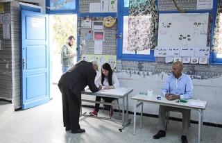 Tunus'ta Nahda yerel seçimde birinci parti oldu
