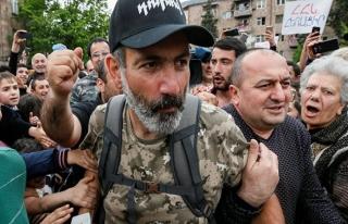 Ermenistan'da muhalif lider kendini başbakan seçtirdi