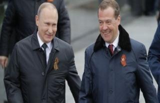 Putin'in adayı Medvedev ikinci kez başbakan