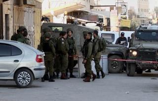 Yahudi işgalciler Filistinli ailenin evini ateşe...