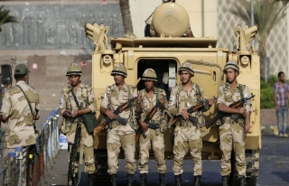 Mısır Suriye'ye asker göndermenin yollarını arıyor