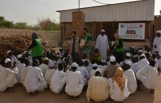 İHH Sudan'daki yetimlere destek verdi