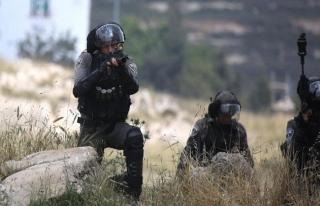 İsrail askerleri Batı Şeria'daki gösteriye müdahale...