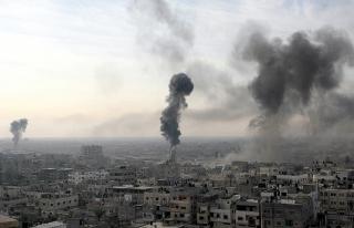İsrail, Gazze'de iki askeri noktayı vurdu