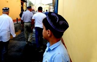 Özbekistan'da çocuklara cami yasağı kalkıyor