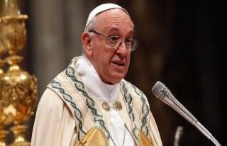 Papa'dan piskoposlara 'Firavun' uyarısı