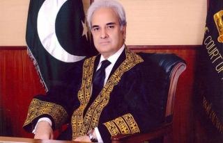 Pakistan'ı seçime götürecek Nasırul Mülk göreve...