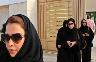 Suudi Arabistan'da kadınlar ehliyetlerini almaya...