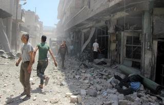 Esed rejimi İdlib'de çocuk hastanesi ve yerleşimleri...