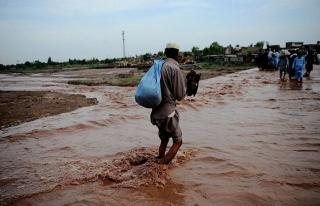 Hindistan'da aşırı yağışlar nedeniyle 13 kişi...