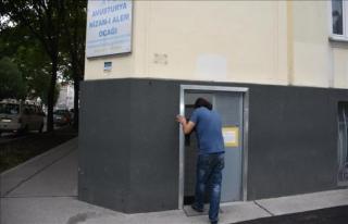 Avusturya'da kapatılan Türk camisi yeniden ibadete...