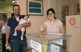 Gürcistan ve Özbekistan'daki Türk seçmenler sandık...