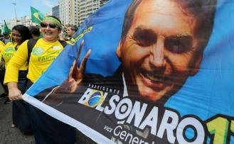 Brezilya'da aşırı sağcı aday kazandı