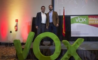 Aşırı sağcı Vox, Endülüs'te kilit parti oldu