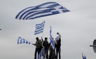 Makedonya ile anlaşma Yunan siyasetini böldü